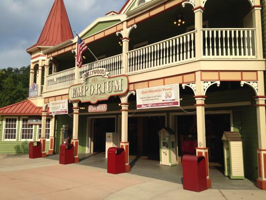 Emporium Gift Shop - Picture of Dollywood, Pigeon Forge - TripAdvisor