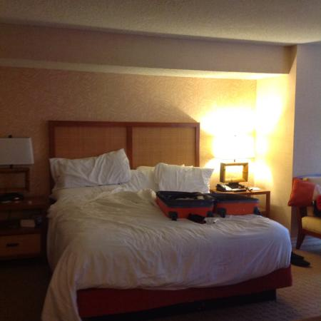 Tropicana Las Vegas - A DoubleTree by Hilton Hotel: Comfy bed