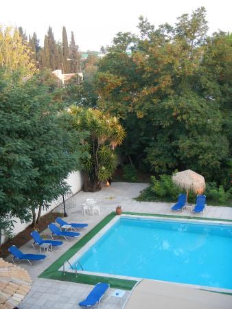 Feakio Hotel: swimming pool
