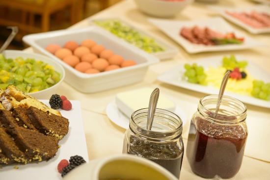Ecotel Vilnius: Breakfast