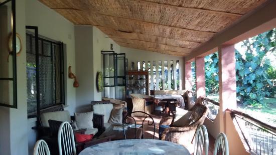Lorries Bed and Breakfast: Lovely verandah