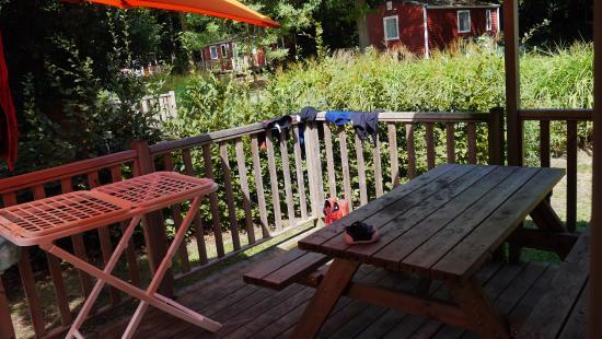 Nantes Camping : Terrasse cottage