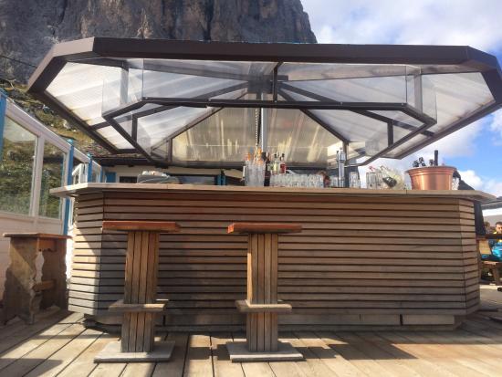 Rifugio Emilio Comici: Bellissimo posto ai piedi del sassolungo in Val gardenia