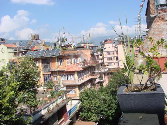 Hotel Kathmandu Terrace: Вид с крыши отлеля (ресторан)