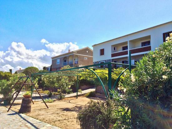 Hotel II Tramonto: Façade appartements et studios avec jardins