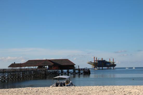 Borneo Divers Mabul Island Resort : The jetty