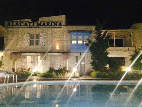 Alacati Marina Palace Boutique Hotel: Some views of The beautiful, clean, well kept grounds of the Alaçati Marina Hotel