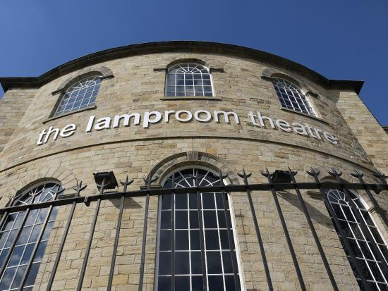 ‪The Barnsley Lamproom Theatre‬