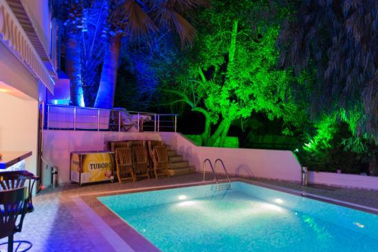 Eden Pyara Hotel : Pool