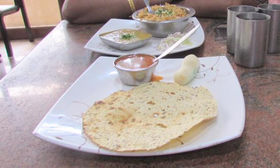 Indra Cafe's Paras: Pappad