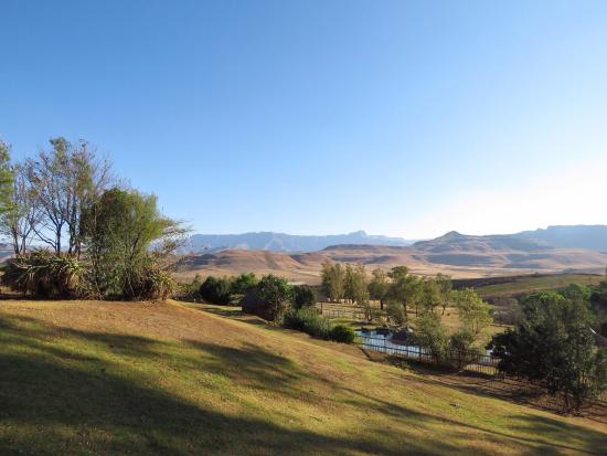 uKhahlamba-Drakensberg Park, Sudáfrica: Incredible scenic views & guided hiking trails - including a Bushman cave painting site