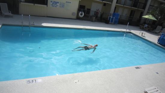 Clarion Inn - Mt Pleasant/Charleston: La piscina a mia disposizione !