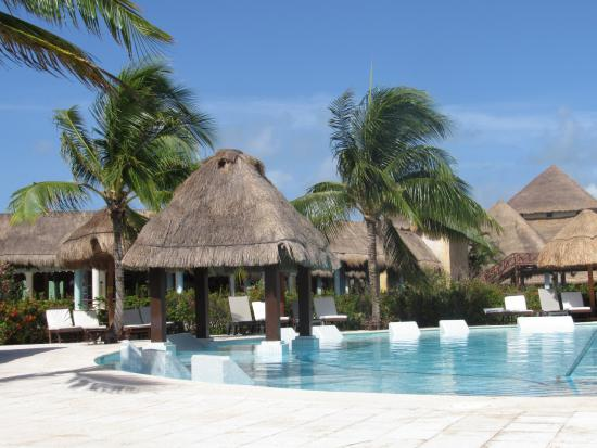 exteriores picture of grand palladium white sand resort. Black Bedroom Furniture Sets. Home Design Ideas