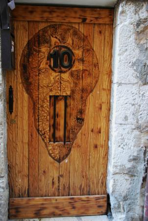 Porte foto di ville medieval vence tripadvisor for Porte 12 tripadvisor