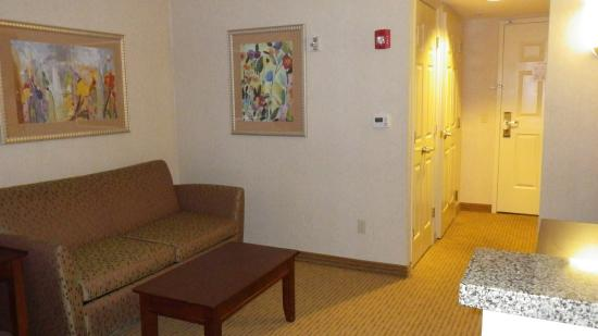 Holiday Inn Express Hotel & Suites Porterville: Sitting area