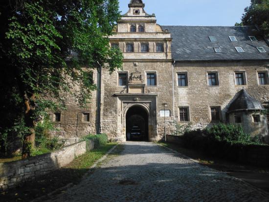 Schloss Beichlingen: The entrance gate