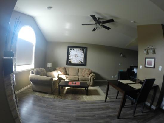 Seasons Extended Stay Suites: Suite # 4 - Livingroom
