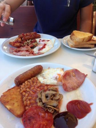 Woody's: English Breakfast