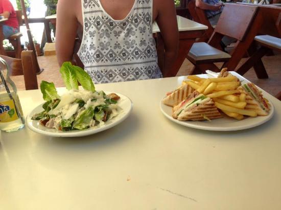 Woody's: Caesar Salad and Tuna Club