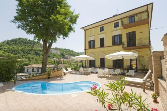 Raffaello Residence : Entrance | Ingresso