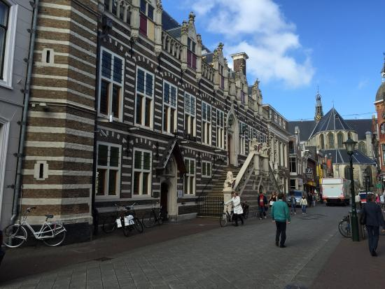 Holland Personal Tour Guide : photo0.jpg
