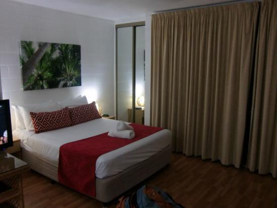 Cascade Gardens: Bedroom