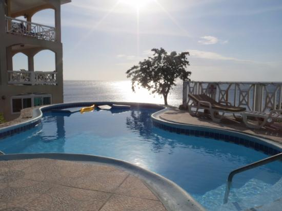 Home Sweet Home Resort: Pool