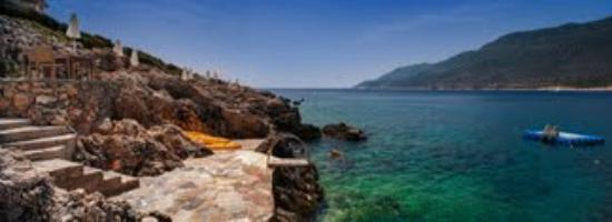 Deniz Feneri Lighthouse: Water front