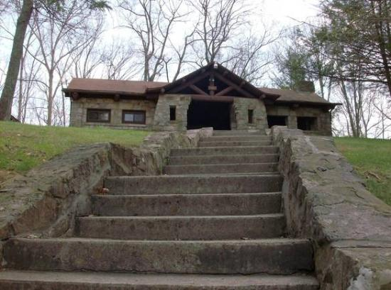Bramwell, WV: Pinnacle Rock Picnic Shelter