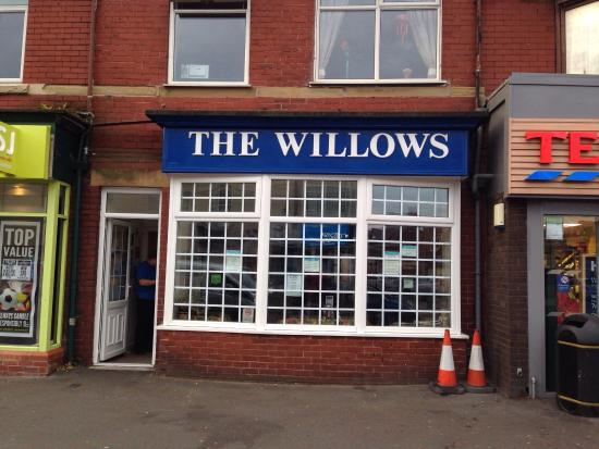 The Willows Coffee House : New Look Outst