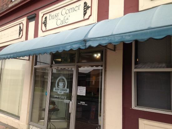 Ogdensburg, NY: Busy Corner Cafe Exterior
