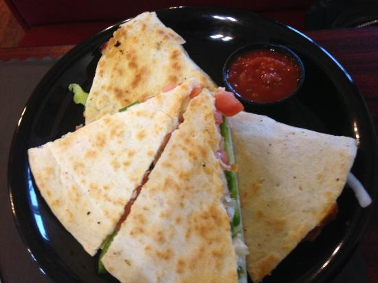 Ogdensburg, نيويورك: Busy Corner Cafe veggie quesadila
