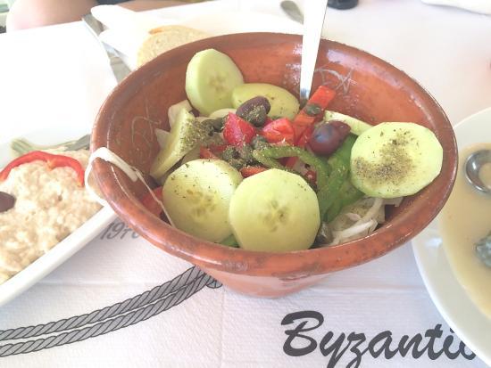Byzantio Restaurant: cucumber tomato salad