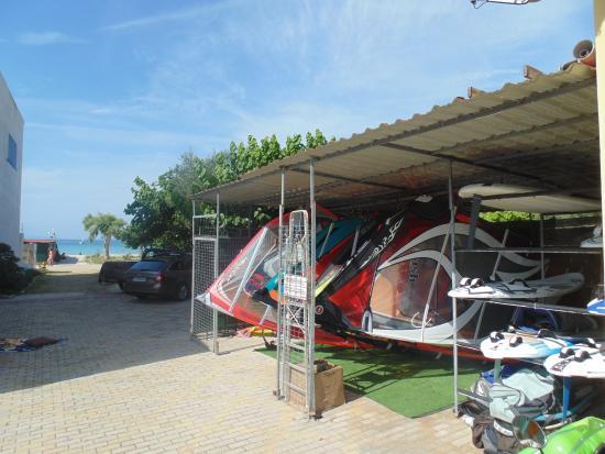 Bayside Apartments & Studios : Windsurf Storage