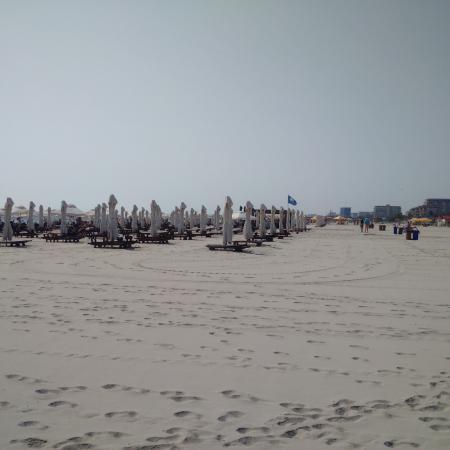 Marina Regia Residence: White sand, very large beach, private