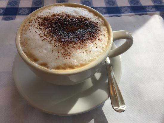 New Morning Cafe: A Real Cappuccino !!!