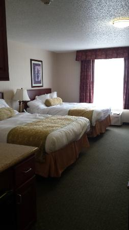 Seekonk, MA: nice room with comfortable beds