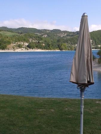Camping Village Verdefiastra : lago