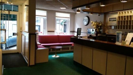 Nicolaas Witsen Hotel: reception