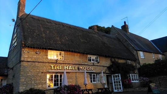 The Half Moon Grendon