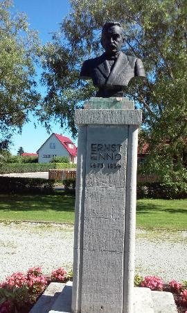 Ernst Enno Monument