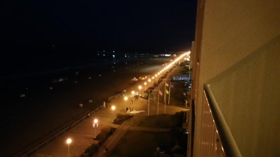 Comfort Inn Suites Virginia Beach Oceanfront Boardwalk Right Side View From Room 901