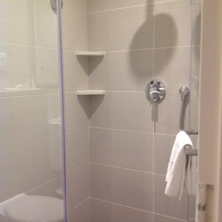 ‪‪City Lodge Hotel Pinelands‬: Shower‬