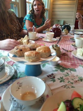 Chalfont, PA: Scones and tea at Talking Teacup