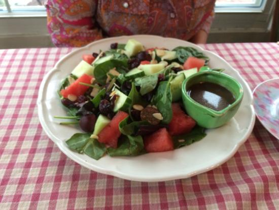 Chalfont, PA: Salad at Talking Teacup