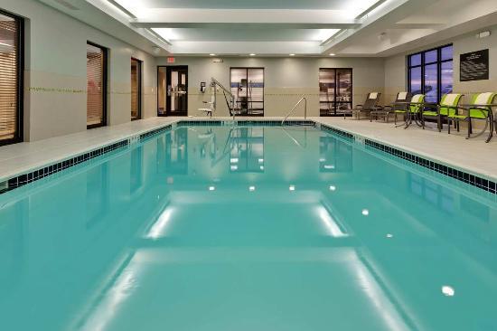 Hampton Inn Seneca Falls: Enjoy an Indoor Pool at our Seneca Falls Hotel
