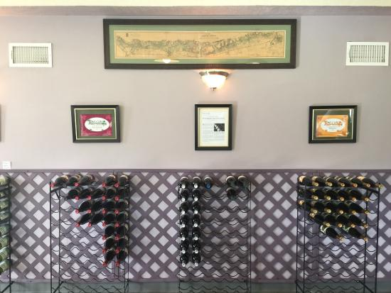 Long Cliff Vineyard & Winery: photo0.jpg