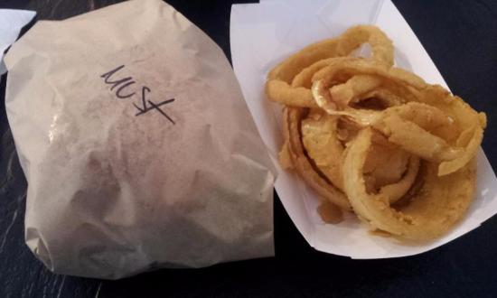 Gil's Broiler: Cheeseburger and Rings