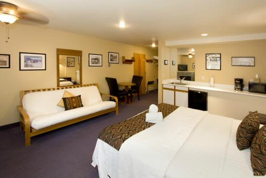 Holiday Haus Motel : Deluxe King Room