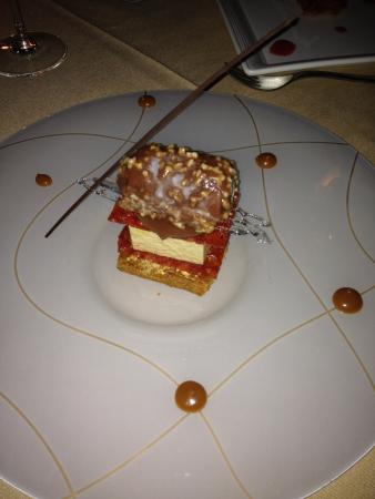 Le Taha'a Island Resort & Spa: gourmet dinner dessert